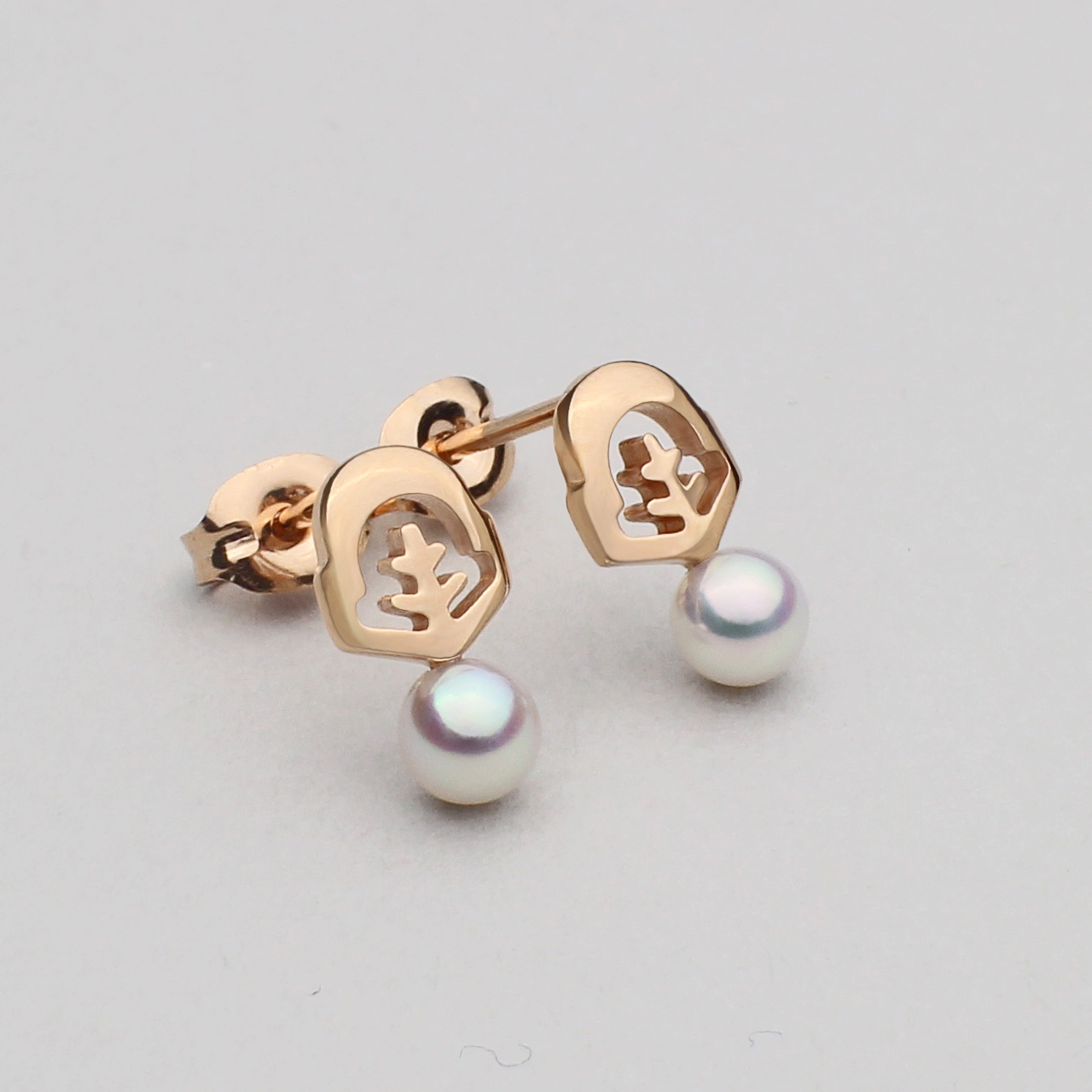 essentia stud earrings