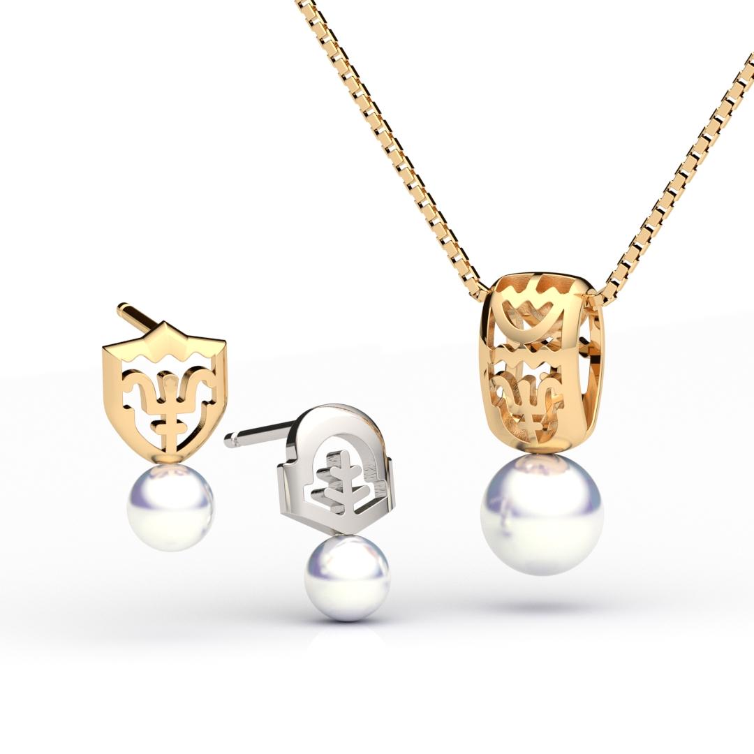 アコヤ真珠のついたペンダントとピアス
